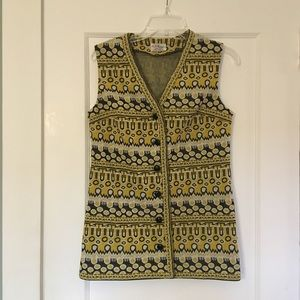 Vintage sweater vest. Geometric pattern.